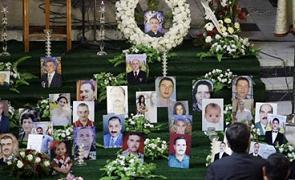 Photos des victimes de l'attentat du 31 octobre dans la cathédrale syrienne-catholique de Bagdad, vendredi 10 décembre
